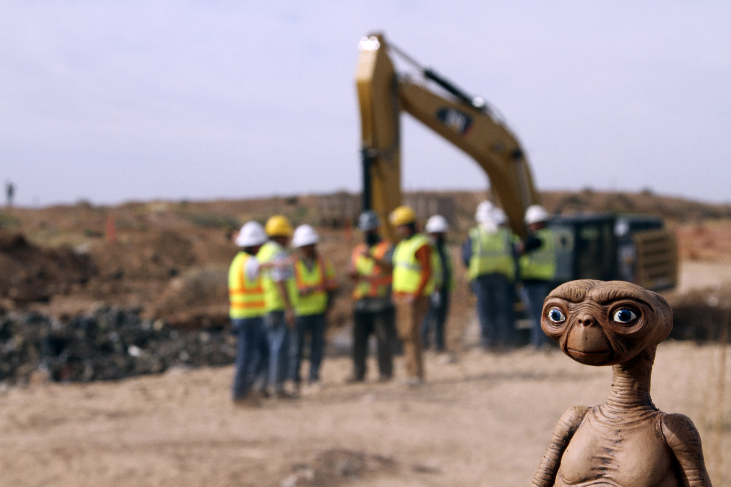 Actual E.T. Aliens Discovered in Landfill